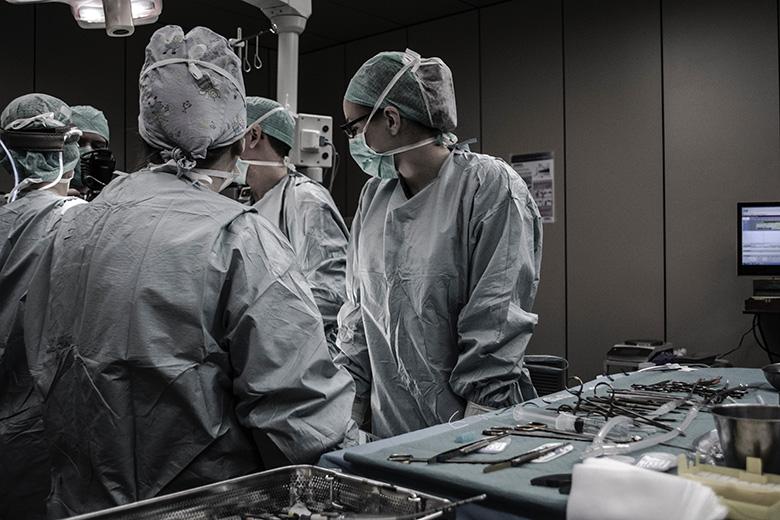 ניתוח מתיחת בטן לנשים